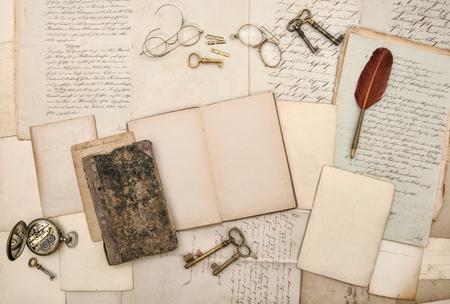 Libro Abierto Diario, Cartas Viejas, Marcos De Cuadros, Accesorios ...