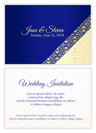 Blauw trouwkaart met luxe gouden kant in de hoek en damastpatroon binnenkant van de kaart