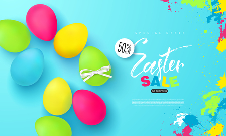 Happy Easter sale banner. Background with beautiful colorful eggs. Vectores