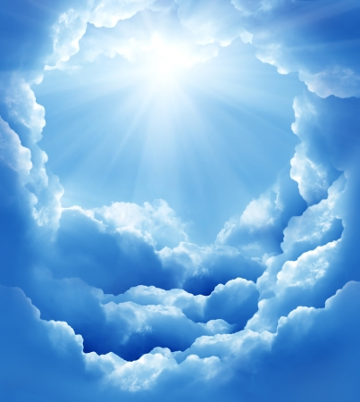 Jezus: Błękitne niebo z chmurami słońce i piękna