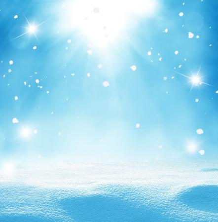 invierno: Fondo de Navidad del invierno con nieve que cae