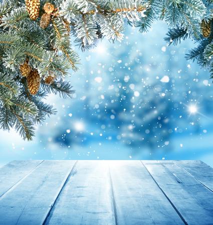 木製のテーブルとクリスマスの背景