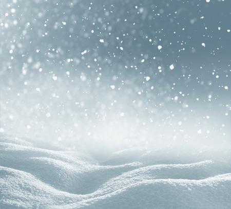 neige qui tombe: Winter christmas background avec des chutes de neige