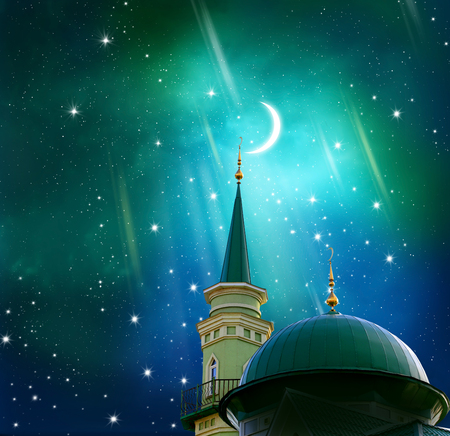 Ramadan Kareem background.Crescent moon op een top van een moskee. Islamitische groet Eid Mubarak kaarten voor moslim feestdagen. Feid-Ul-Adha festival viering Stockfoto