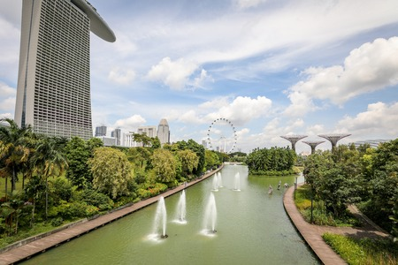 Singapore - december 2018: Dragonfly lake in the botanical garden, Gardens by the Bay in Singapore. Editöryel