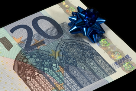 20 euro: The banknote of 20 euro is a gift