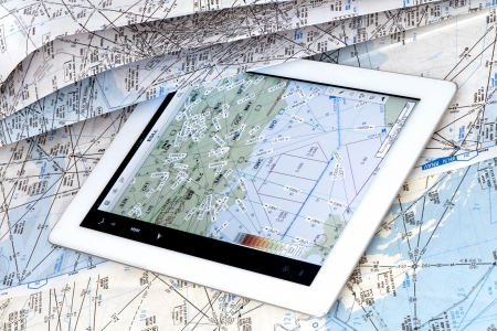 datasets: Comparison between a map of paper and an electronic flight deck