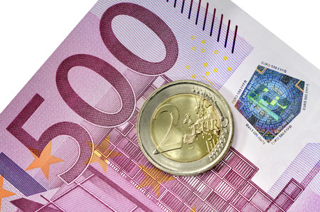 A coin of 2 euro and a bill of 500 euro