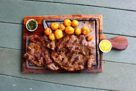 Beef Steak Dinner auf dem Tisch