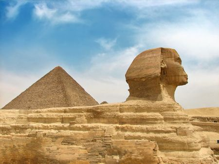 great egyptian sphinx and pyramid
