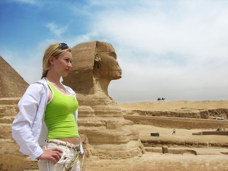 girl near great egyptian sphinx photo