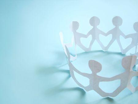 manos juntas: comunidad de personas que tienen en las manos, el concepto Foto de archivo