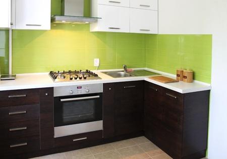 Modernen heimischen Küche Inneneinrichtung Standard-Bild - 10035902