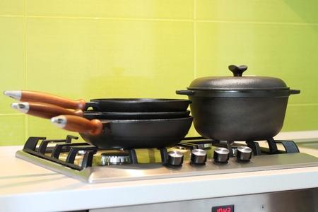 cookware: Utensilios de cocina de hierro fundido