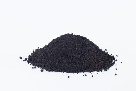 흰색 배경에 뼈 검은 색 안료
