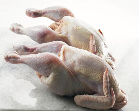 deux poulets entiers