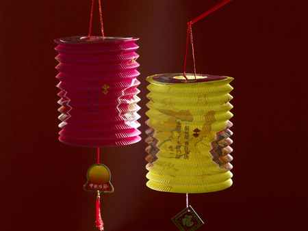 2 lanterns with dark background Standard-Bild