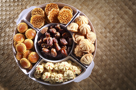 top view of the malay cookies on the tray 版權商用圖片