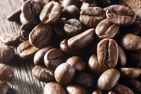 Close-up of coffee beans in a sack Foto de archivo - 117838242