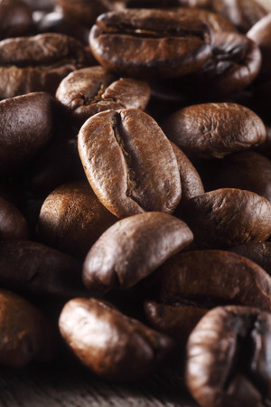 Close-up of coffee beans in a sack Foto de archivo - 117839807