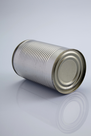 blank aluninium can on the white background