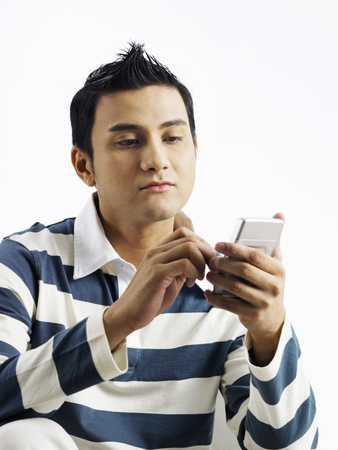 man using cellphone to send message 스톡 콘텐츠
