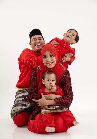 为这个马来家庭拍摄的偷拍照片