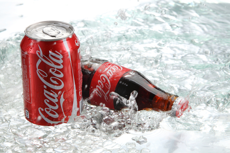 kuala Lumpur,Malaysia 15th April 2015,Editorial photo of Classic Coca-Cola Bottle in crushed ice. Banco de Imagens - 121484242