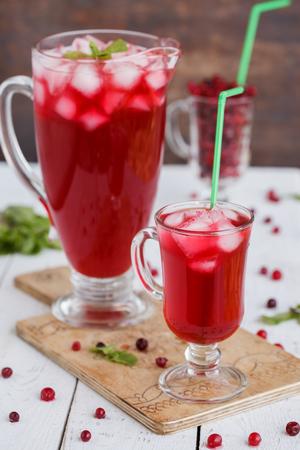 cranberry juice: Cranberry juice, soft drink.