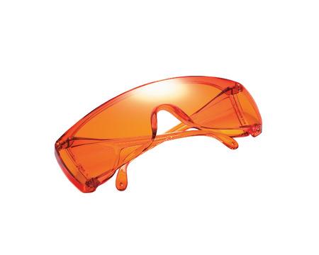 utiles de aseo personal: gafas de protección en el fondo blanco aislado