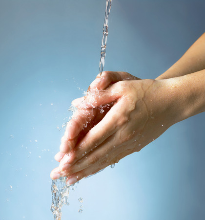 manos limpias: Lavar a mano