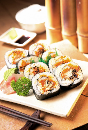 egg roll: Sushi set