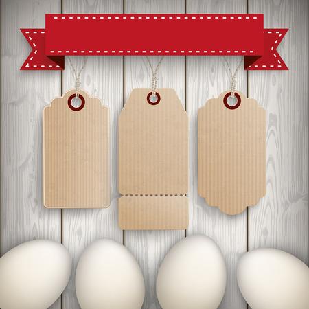 Huevos con 3 etiquetas de precios en el fondo de madera. EPS 10 del vector.