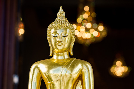wat traimit: Golden buddha at Wat Traimit with bokeh background