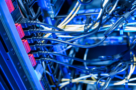 servers: Electrical connection of internet servers in datacenter