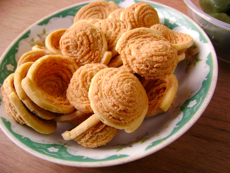 flaky: Guangdong yumcha dimsum flaky pastry
