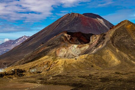 Tongariro Crossing NP in new zealand4