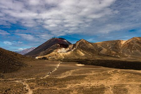 Tongariro Crossing NP in new zealand3