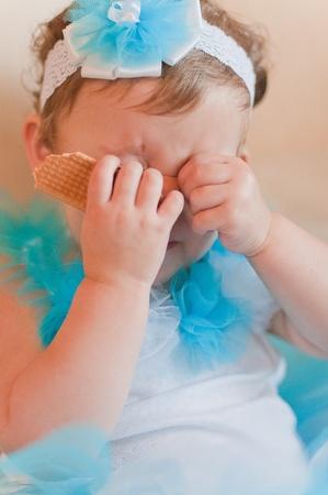 poppet: Little girl closes her eyes