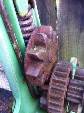 Gearing on antique mangle