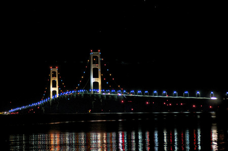 Mackinaw Bridge at Night from Upper Peninsula Banco de Imagens