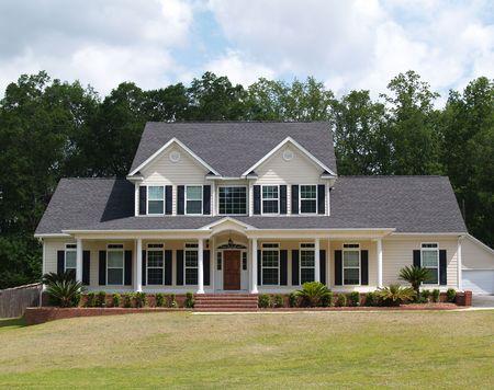 Due storia casa residenziale con con pensione schierandosi sulla facciata.     Archivio Fotografico