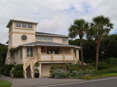 house facades: Three story beach house found in Florida.