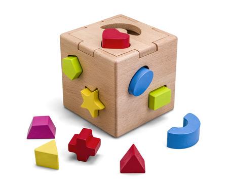 木製パズル ボックスおもちゃクリッピングパスと白で分離されたカラフルなブロック