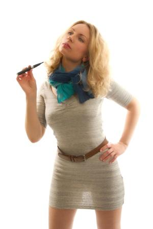 De elektronische sigaret in de handen van seksuele blondines