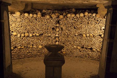 Catacomben van Parijs. begraven onder de grond voor meer dan 6 miljoen mensen.