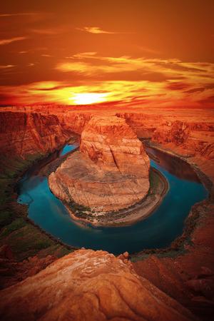 アリゾナ州北部にあるコロラド川の有名なホースシュー ・ ベンド