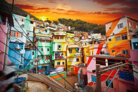 Rio de Janeiro downtown en favela. Brazilië