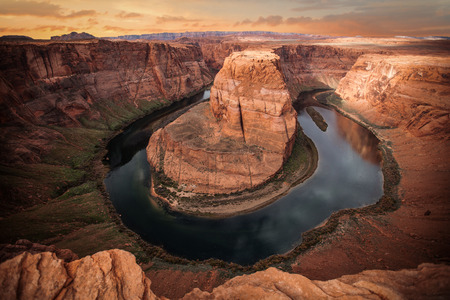herradura: Famosa curva de herradura del río Colorado en el norte de Arizona Foto de archivo