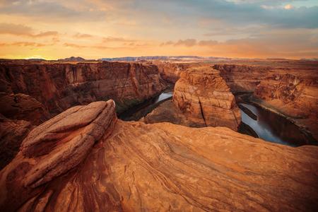 herradura: Famosa curva de herradura del r�o Colorado en el norte de Arizona Foto de archivo